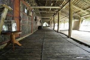 Borneo-Malaysia-Rungus-longhouse-interior