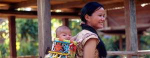 Borneo_kayan_mentarang_baby_mother_acompost42757_348096