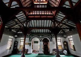 Interior Masjid Hidayatullah Jalan Sudirman, Jakarta.