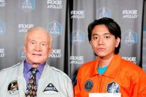 Rizman A Nugraha with American legendary astronaut Buzz Aldrin.