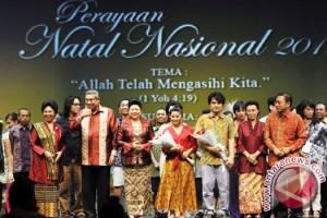 Indonesian President susilo Bambang Yudhoyono joining a joint Christmas (Natal Bersama) celebration.