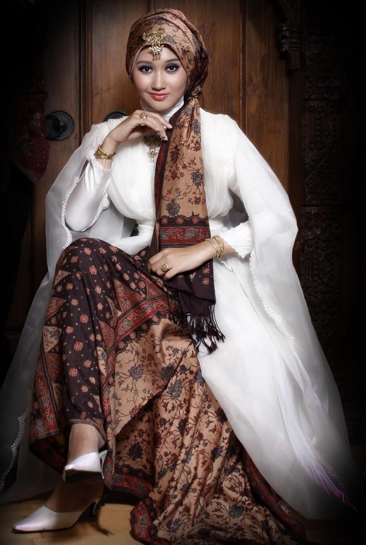 Indonesian Muslim Fashion Goes to London – Islam In Indonesia