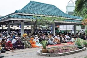 The grave of former Indonesian president KH Abdurrahman 'Gus Dur' Wahid in Tebuireng, Jombang, East Java.