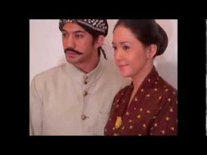 Reza Rahadian as Tjokroaminoto & Maia Desyanti