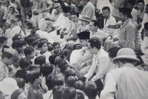 M. Hatta among people