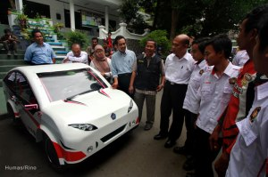 The Rector of University of Muhammadiyah Malang (UMM) Dr. Muhadjir Effendy, M.AP launched electric car of 'UMM Sport' in front of Student Center (SC) in November 2012. The car participated in IEMC (Indonesia Energy Marathon Challenger) contest at Kenjeran circuit, Surabaya.