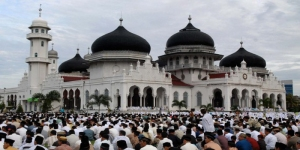 Idul Fitri prayer at Baiturrahim Grand Mosque in Banda Aceh.