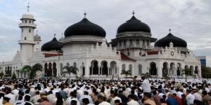 Idul Fitri prayer at Baiturrahim Grand Mosque in Banda Aceh.