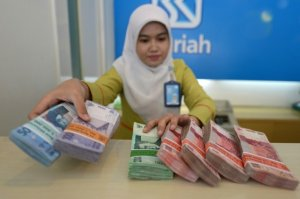 afp-indonesia-prays-for-islamic-banking-boom
