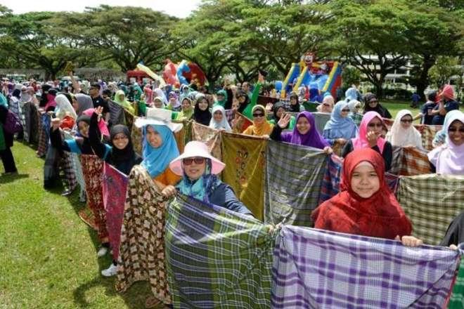 sarong_mosque2